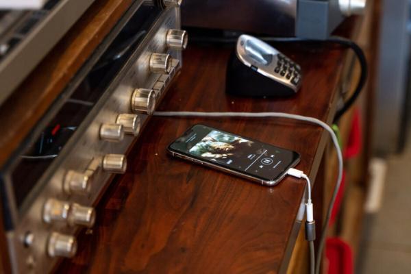 """无线手机来袭!苹果2021将发布""""无Lightning端口""""iPhone"""