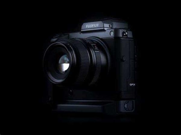 1亿像素中画幅无反相机 富士GFX100售价67900元