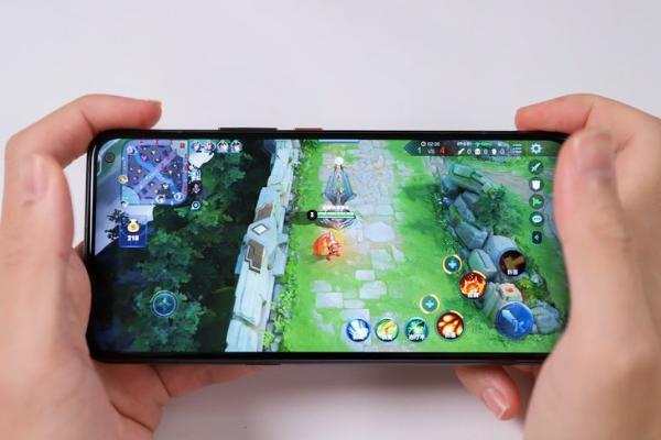 喜欢玩游戏的朋友看过来,iQOO 3给你不一样的游戏体验