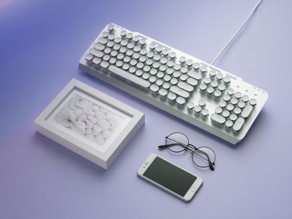 复古靓键 雷柏GK500朋克版混彩背光游戏机械键盘图赏