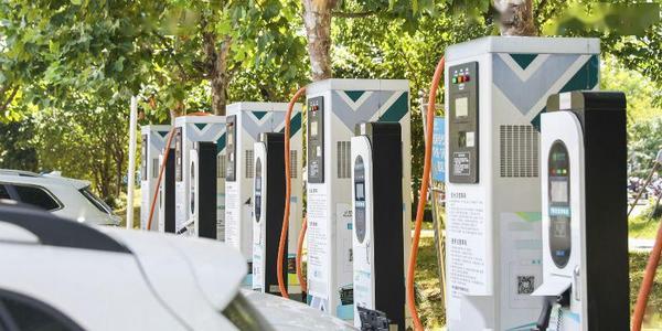 重庆今年新建充电桩3万个