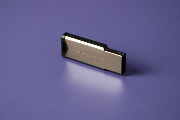 工业美学 AGON保时捷设计联名PD27评测