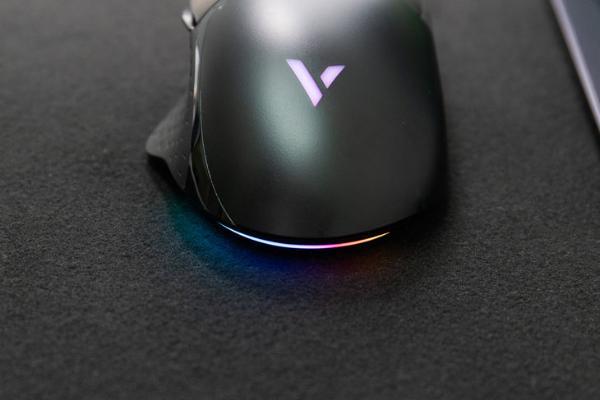 雷柏VT30幻彩游戏鼠标评测 游戏得力助手