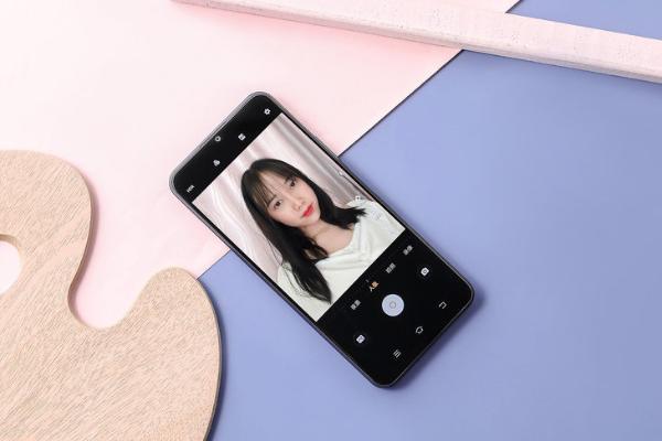 vivo Y52s明天開售 高顏值輕薄千元5G手機