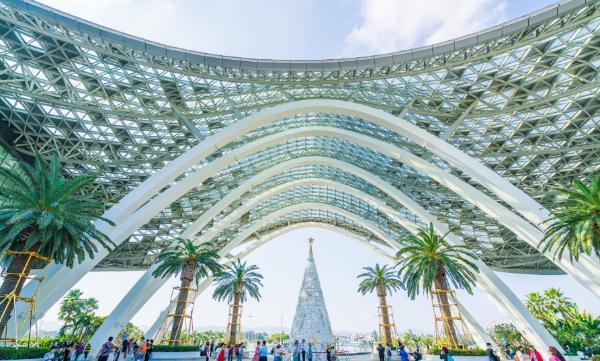 中国旅游集团与海南省国资委互换资产 以中国国旅2%股份换取海免公司51%股权