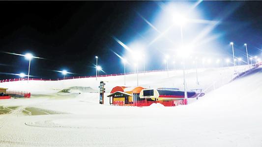 滑雪场能否玩转微利下的夜生意