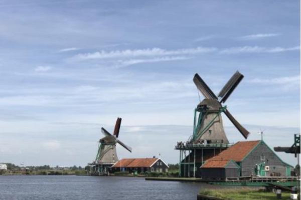 外国国家的农村什么样?荷兰这座村子仿佛世外桃源!