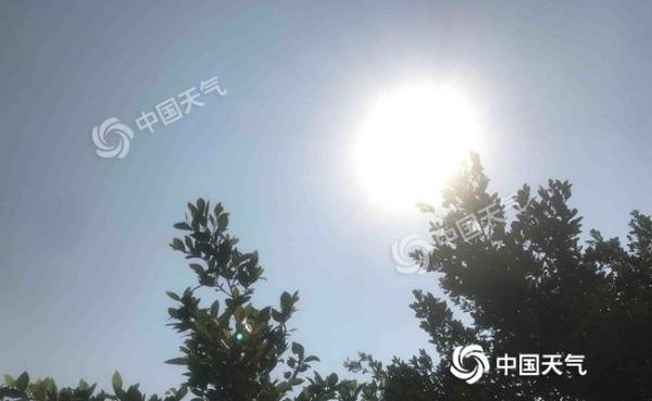 今年首个高温预警!海南大部最高温超35℃ 体感闷热需防暑