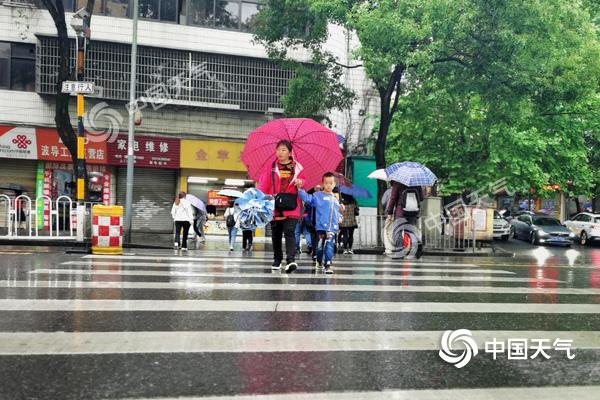 湖南今明较强降雨来袭 怀化岳阳长沙等多地局部暴雨