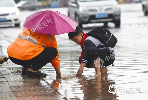 湖南雨水频繁出现 雨带逐渐北抬局地有暴雨