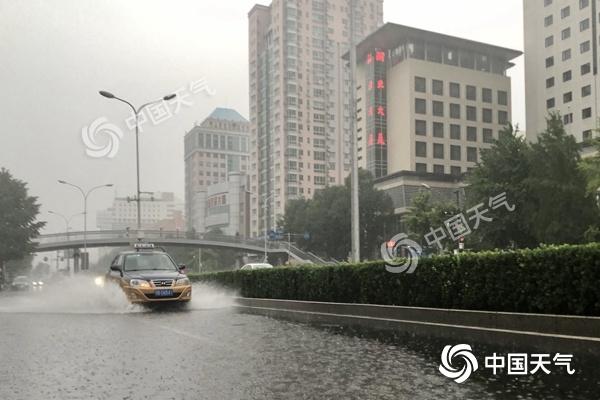 今天白天北京降雨持续西部雨势较强 傍晚起雨水减弱渐止