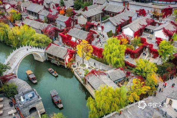 寻秋北京 长城脚下赏红叶