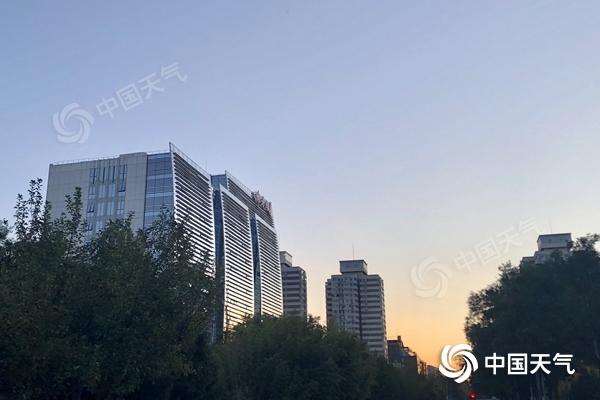 冷冰冰!北京大风呼啸阵风可达6至7级 今夜最低温降至冰点