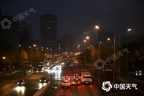 冷空气来了!北京今后三天阴雨不断 18日最低温降至3℃