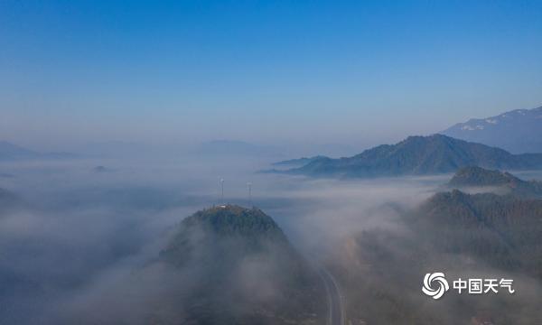 航拍江西瑞昌大德山 云雾缭绕似仙境