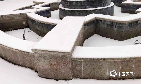 北京迎来今冬首场降雪 延庆雪景宜人