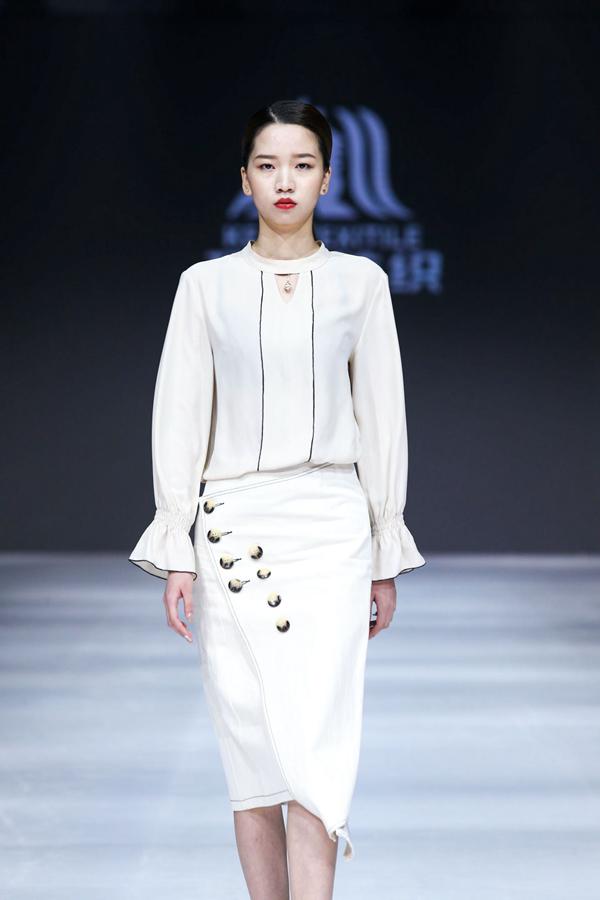 2019江南国际时装周:华东轻纺中心品牌面料联合发布秀属于面料的优雅