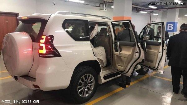 2018款丰田霸道2700王牌越野配置报价