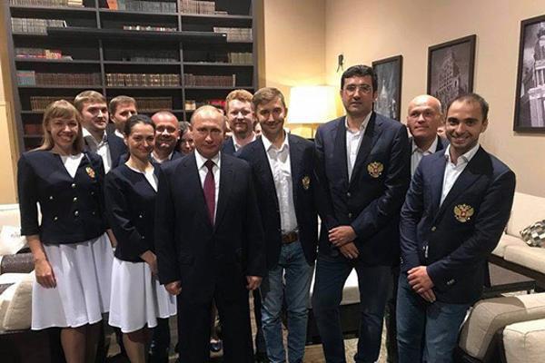 普京总统接见俄罗斯国际象棋奥赛队伍