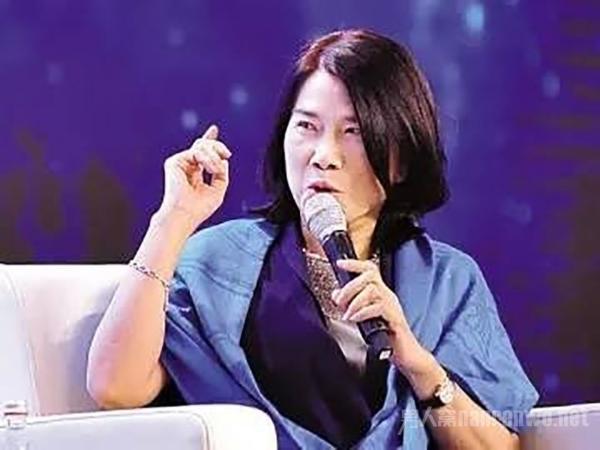 董明珠问鼎福布斯中国最杰出商界女性 商界铁娘子