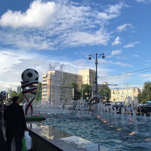 欧洲杯:丹麦4-1击败俄罗斯小组第二出线晋级16强,00后小将表现勇猛