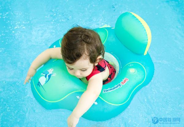 婴儿游泳,你看到的只是这些?太遗憾了