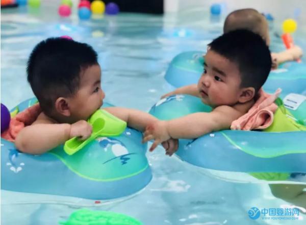 婴儿游泳可以帮助宝宝排痰止咳吗?