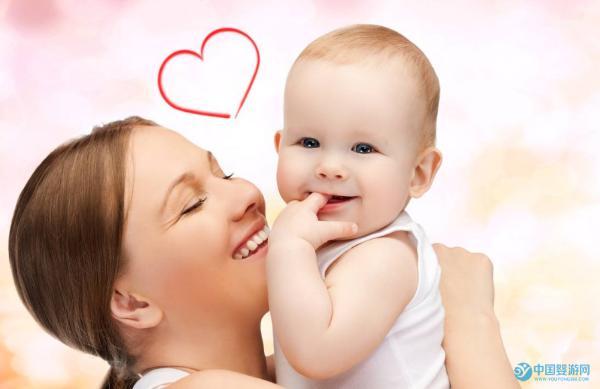 婴儿游泳时宝宝哭闹的六大原因及解决办法