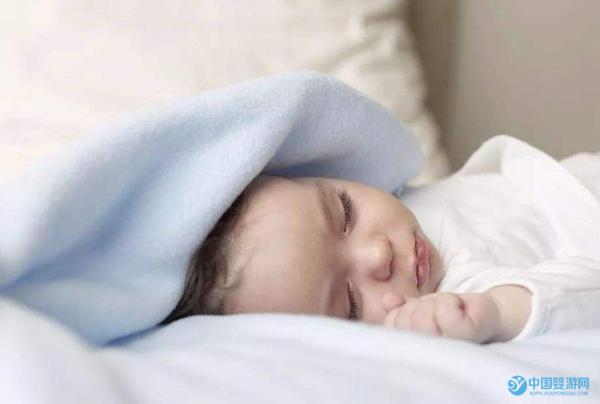 宝宝夜间睡觉不安稳,易醒易闹是怎么回事?2