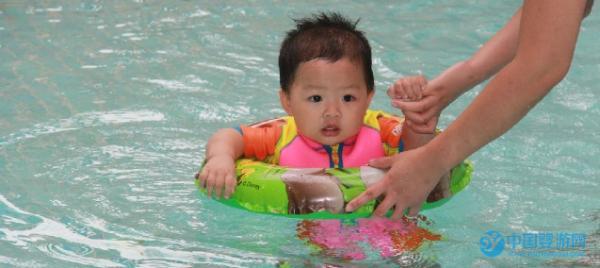 婴儿游泳解决宝宝吃饭难问题,So easy!