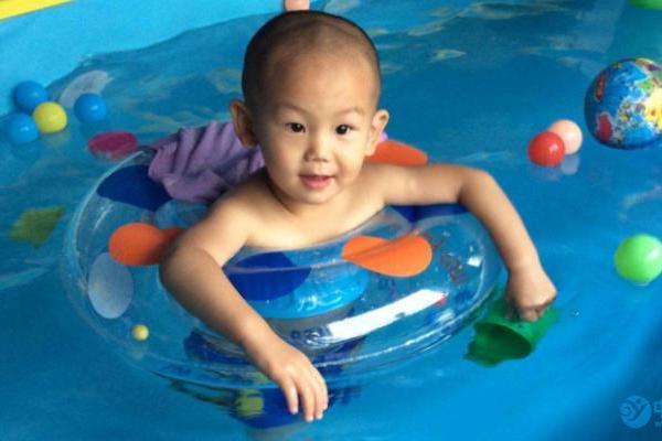 什么时候进行婴儿游泳效果最好
