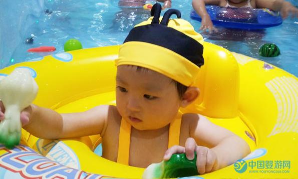 为什么坚持婴儿游泳的宝宝表现更好