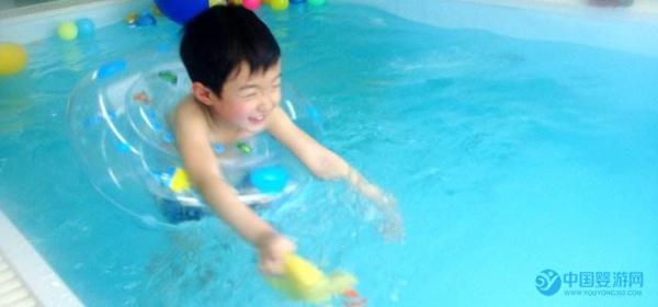 春季正是婴儿游泳大好时光