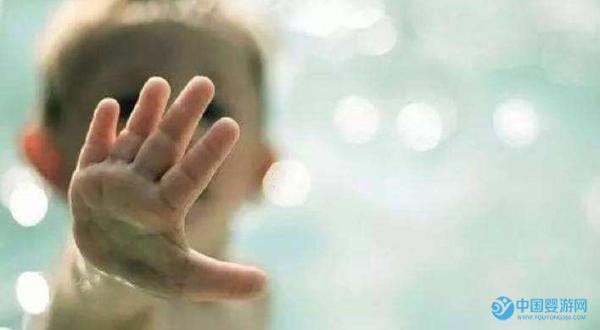 宝宝游泳哭闹是缺乏安全感吗?