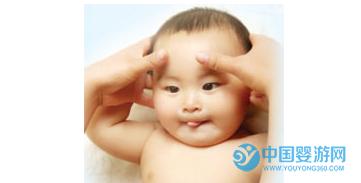 婴儿抚触手法步骤详解与注意事项