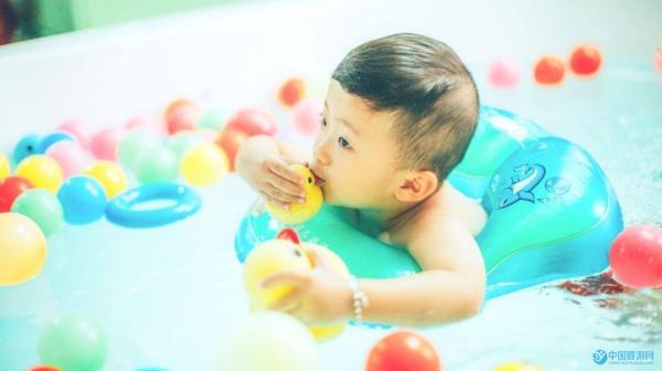 制定婴儿游泳馆活动方案的五大要素