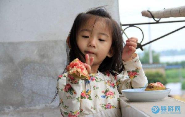 石榴熟了,宝宝可以吃石榴吗? 宝宝多大能吃石榴?