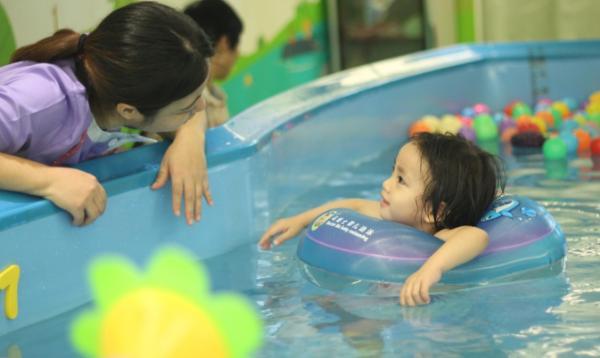 婴儿游泳馆留住顾客的五大方法,绝对好用!