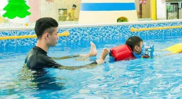 适合婴儿游泳馆播放的背景音乐有哪些?