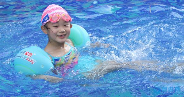 宝宝什么时候游泳最好?秋冬季婴儿游泳需要注意什么?