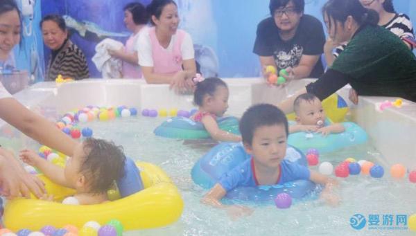 婴儿游泳溺水的八大表现与溺水急救常识,关键时刻能救命!