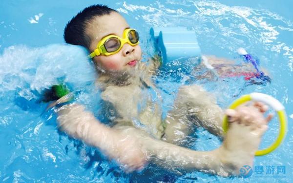 【婴儿游泳】不要错过婴幼儿大脑发育的黄金时期!
