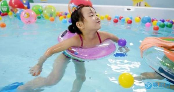 如何做一名优秀的婴儿游泳水育师?有这五点要求!