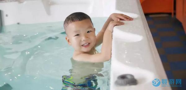 马上就要立冬了,婴儿游泳更应该提上日程!