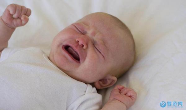 遇到喜欢哭的宝宝,爸爸应该怎么做?宝宝哭闹的六大原因分析!