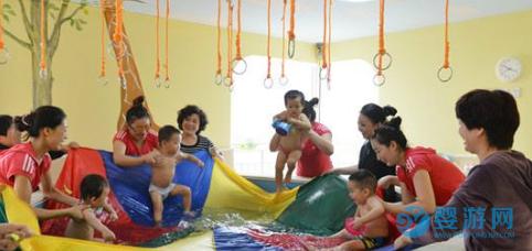 婴儿游泳对缓解宝宝肠绞痛有帮助吗?
