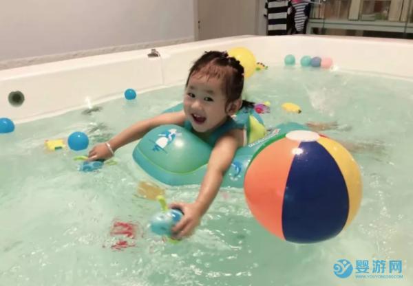 为什么在家活动不如婴儿游泳馆,差别这么大