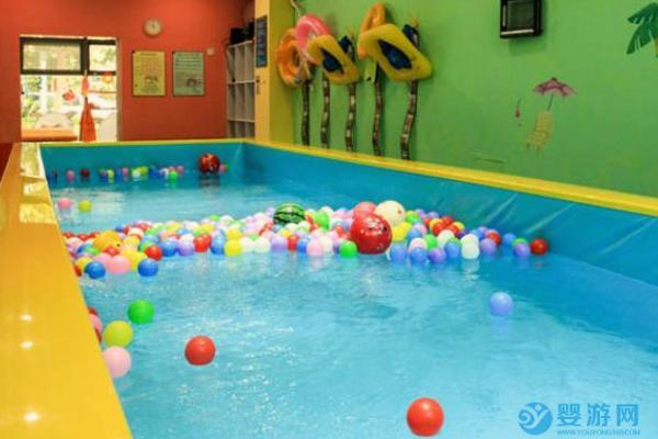 疫情之下,婴儿游泳馆的困境和破局之法