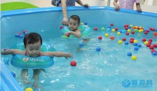 婴儿游泳提高宝宝免疫力?看似平常的游泳运动,还有这些好处!