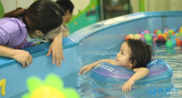有没有想过,经营婴儿游泳馆,我们的服务对象是家长还是孩子?